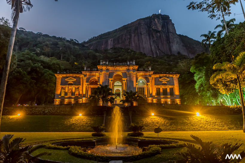 O show de luzes deixa o Parque Lage ainda mais especial